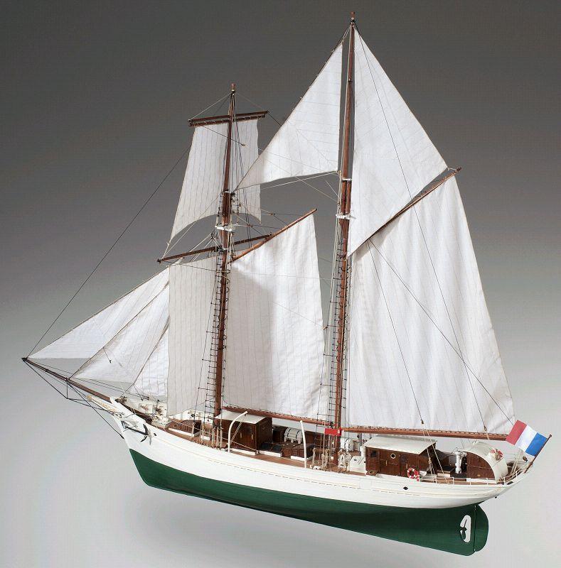 la-belle-poule-segelschulschiff-baukasten-21222_b_1jpg